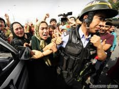 Uyghur women protesting during the July 2009 Urumqi unrest