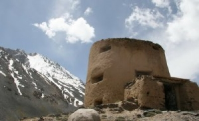 Fortress on the Wakhjir pass. Photo: Caravanistan.com