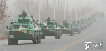The government of the restive far-western Xinjiang marched thousands of armed officers through the region's southern city of Kashgar in a shock and awe campaign against what it says is the rising threat of terrorism and ethnic separatism. 2017-02-17